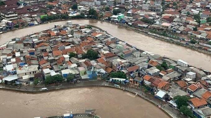 Menteri-PUPR-dan-Gubernur-DKI-Debat-Soal-Banjir-Jakarta-Ini-Solusinya